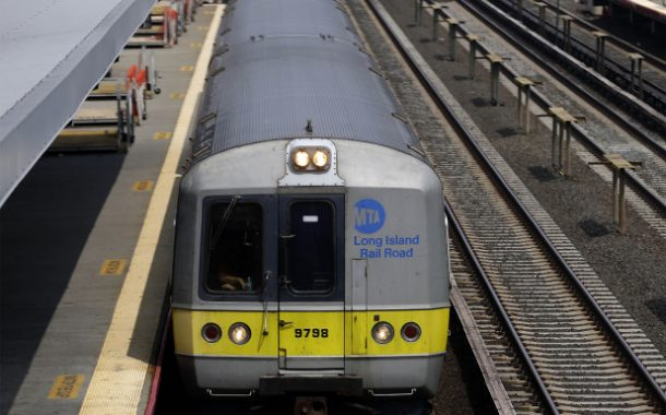 LIRR train derails in Queens