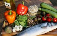 Eating vegetables, fish helps you live longer