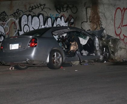 US-Two killed when car slams into concrete wall in the Bronx NY