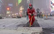 US snowstorm: Record-breaking blizzard slams East Coast