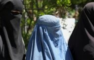 Afghanistan: Taliban tell working women to stay at home