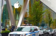 Woman stabbed in unprovoked attack outside Brooklyn Apple store, cops say